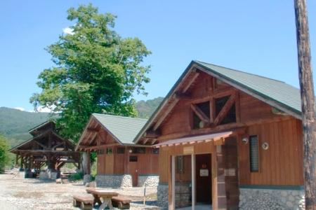 白い森オートキャンプ場からのお得なキャンプのお知らせです!