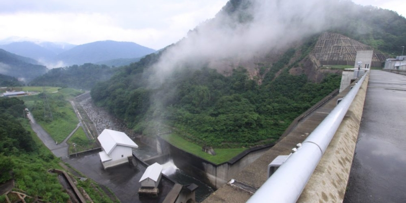横川ダムの風景